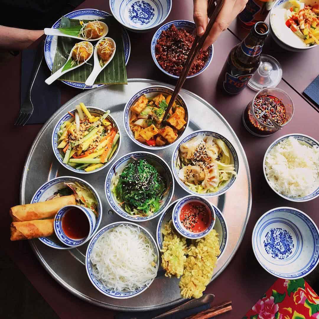 1990 Vegan Living | Vegane asiatische Genussmomente